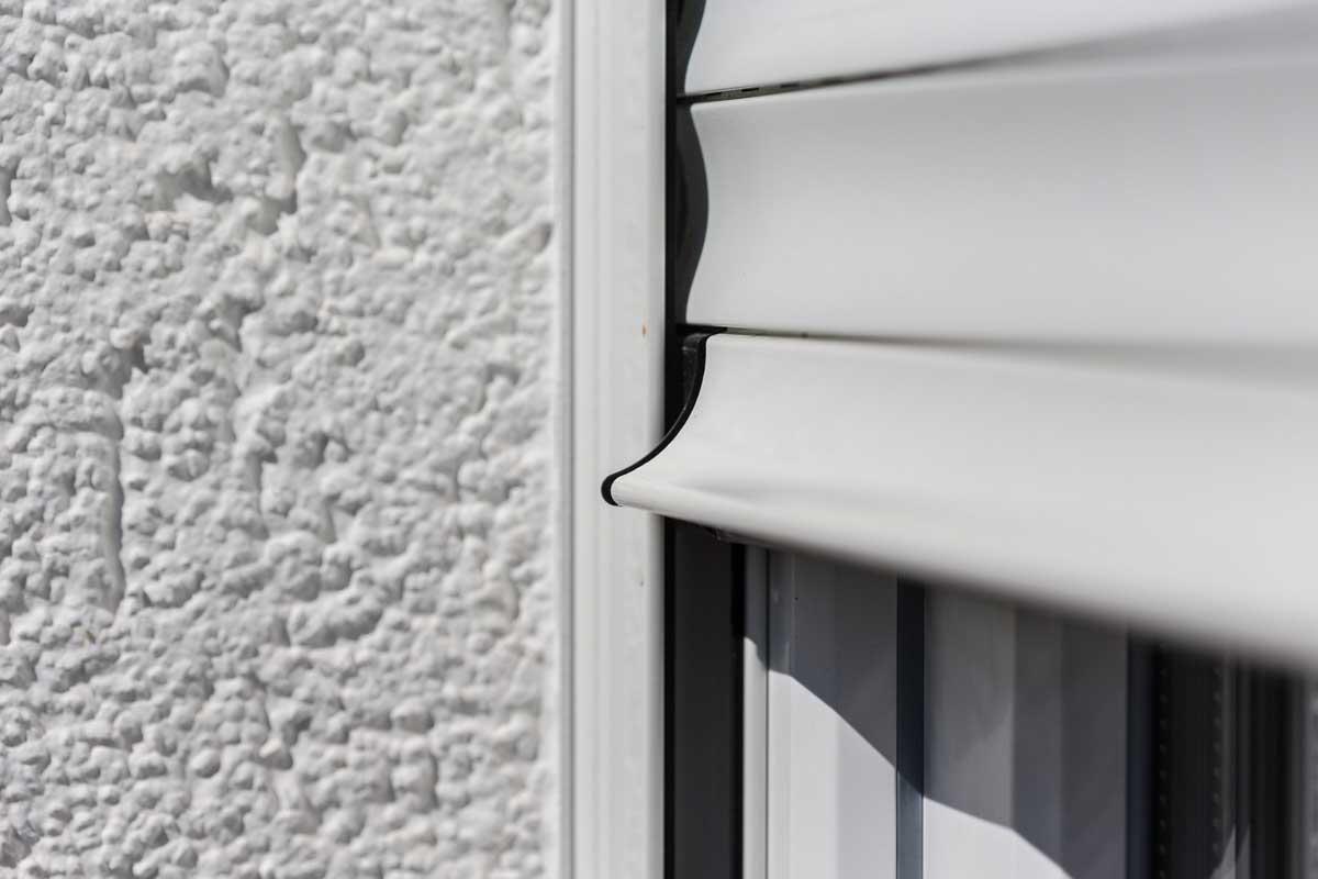 eckfenster mit rolladen latest das fenster mit bleibendem eindruck with eckfenster mit rolladen. Black Bedroom Furniture Sets. Home Design Ideas