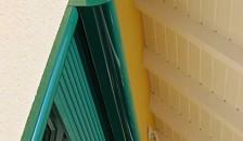 Alulux Aluminium Vorbaurollladen in grün