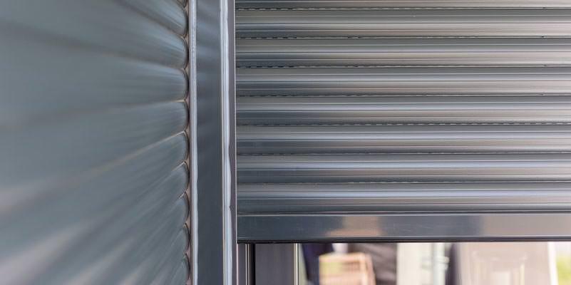 Aluminium als Werkstoff für Garagentore - langlebig, robust und leicht.