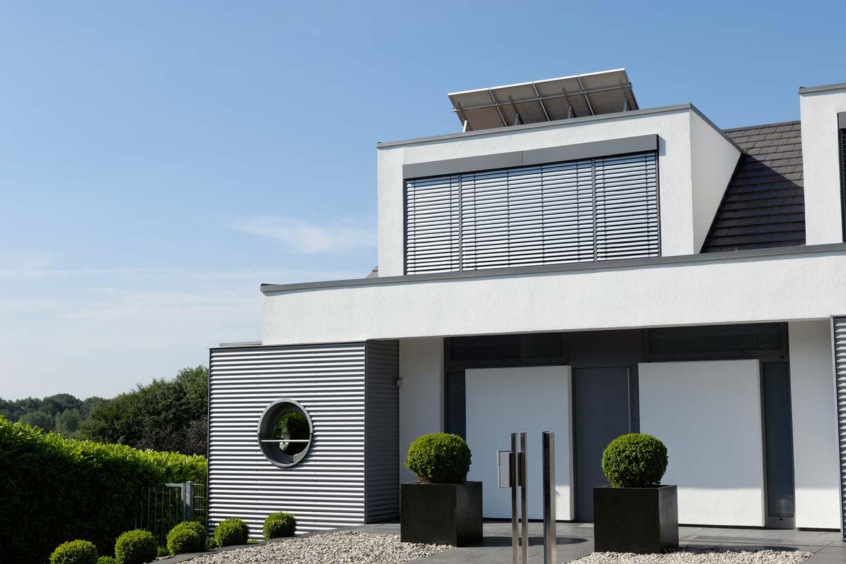 Top Raffstore von Alulux: Lichtlenkung, Komfort, Energetik | Alulux OA15