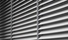 Alulux Raffstore Design - Raffstorlamellen in Nahaufnahme