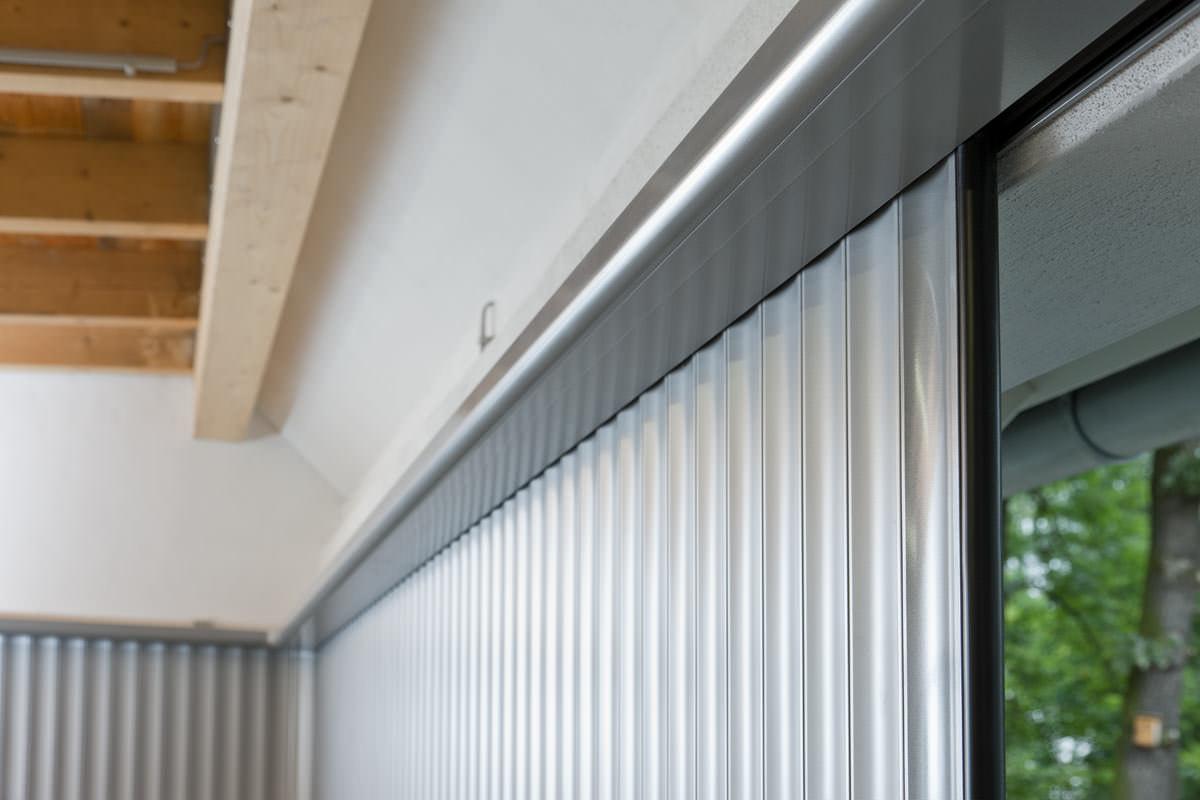 das variable aluminium garagentor seitenlauftor vertico. Black Bedroom Furniture Sets. Home Design Ideas
