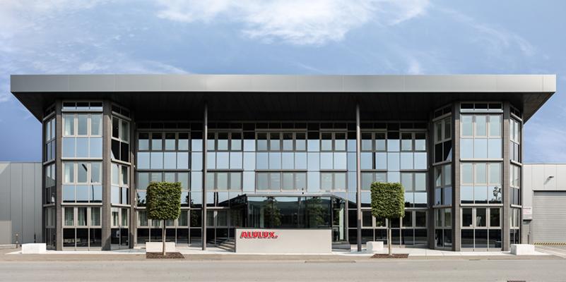 Unternehmen Alulux Hauptsitz Frontansicht