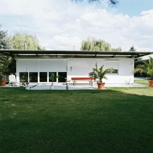 Modernes Haus mit Alulux Rollladen
