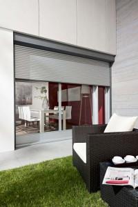 Gemütliche Gartenmöbel und Sonnenschutzsysteme machen es möglich.