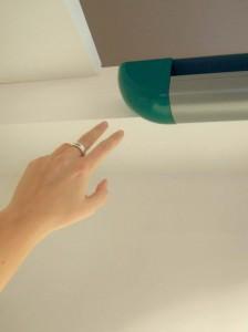 Fingerklemmschutz und seitlicher Eingreifschutz! Alle Alulux-Tore werden nach den gültigen DIN-Normen gefertigt.