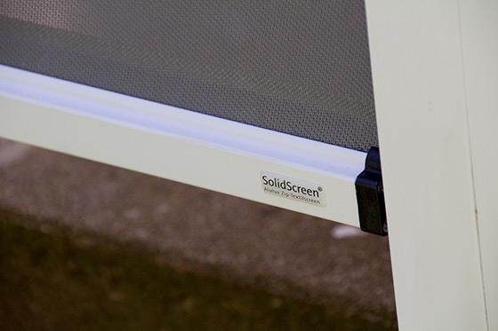 Alulux Zip-Textilscreen Systeme - eckiges 90-Grad System und Rund-System