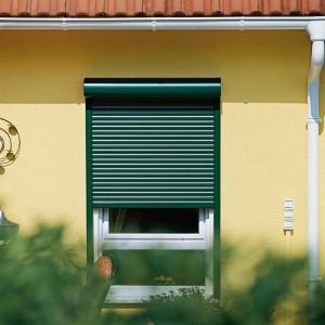 Vorbaurollladen bieten Schutz vor Lärm und Wetter