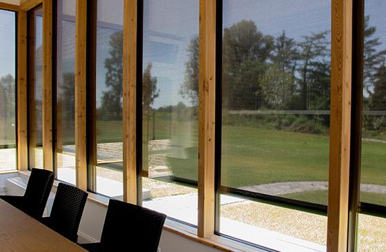 Alulux Solidscreen Lösungen fuer Textilscreens - Gebaeude Aussenansicht